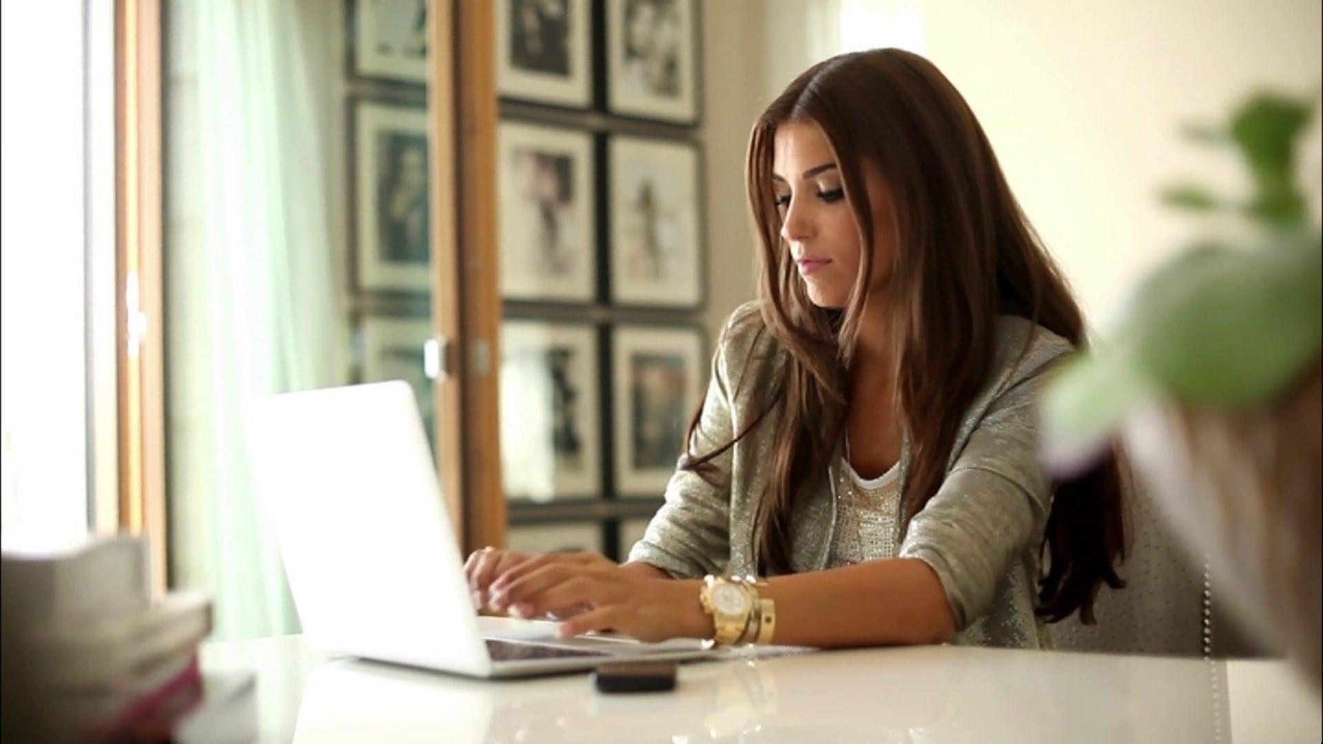 ¿Trabajas Desde Casa? Descubre Qué Gastos Puedes Deducir De Tu Vivienda